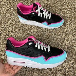 New Size 8.5 Nike Air Max Aqua Blue Fuschia Pink